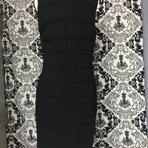 Black sheath dress. Perfect for any occasion!
